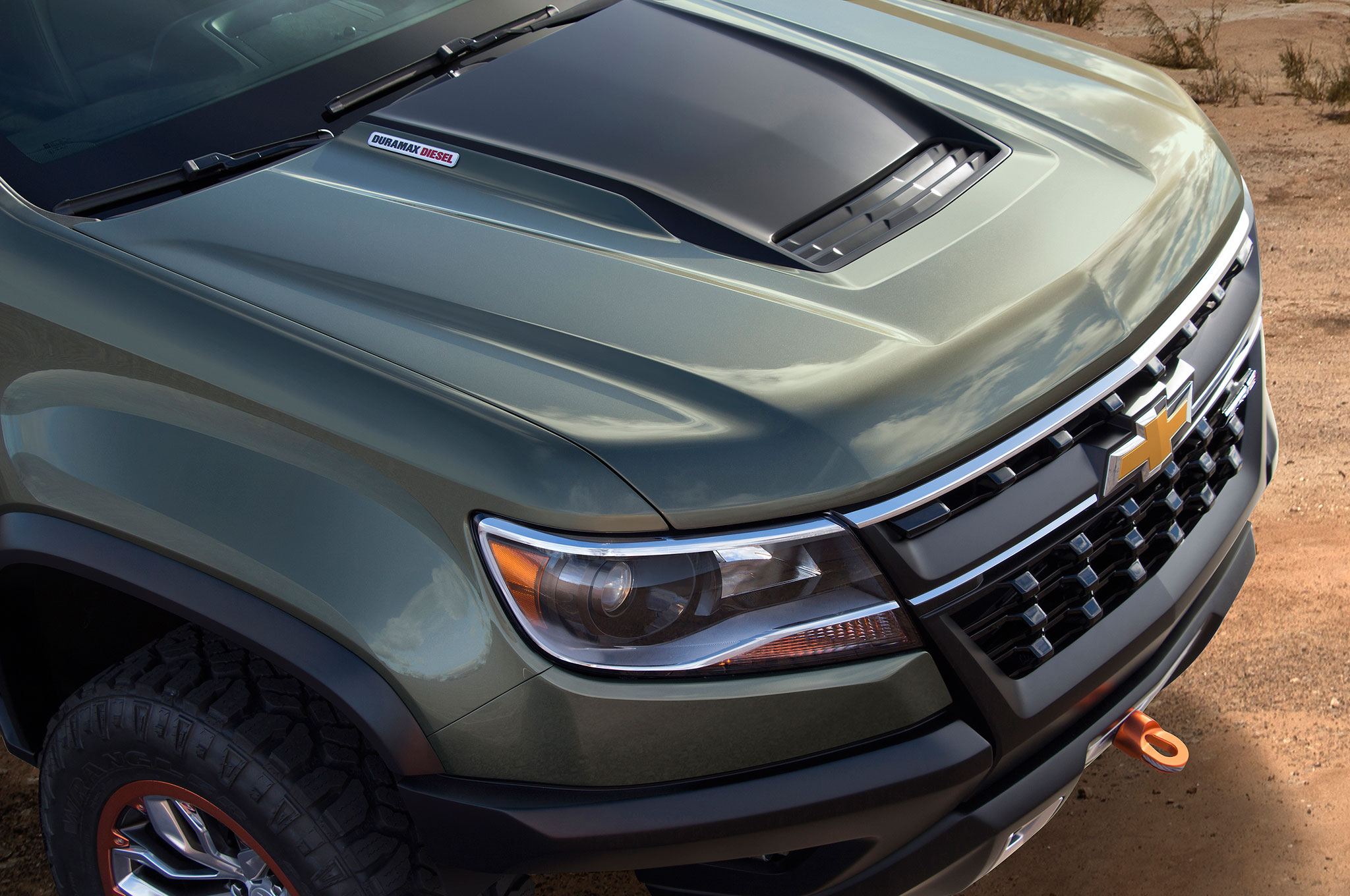 2015 Chevrolet Colorado ZR2 bonet