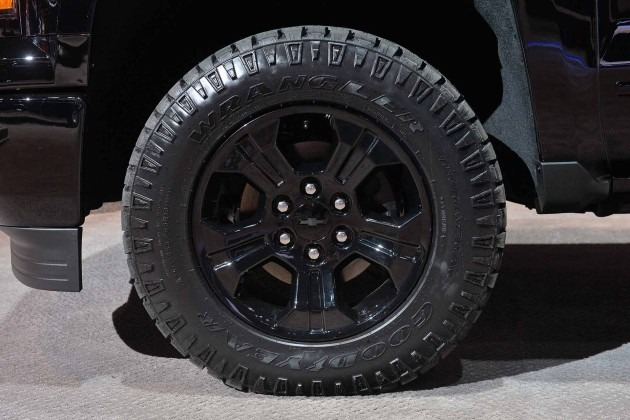 2015 Chevrolet Silverado Midnight Edition wheel