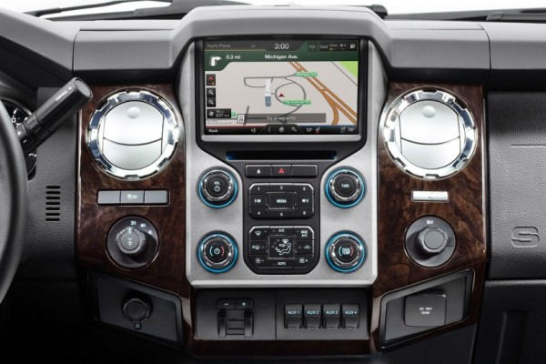 2015 Ford F-450 Platinum instrument table