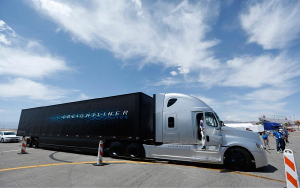 2015 Freightliner Inspiration Truck side