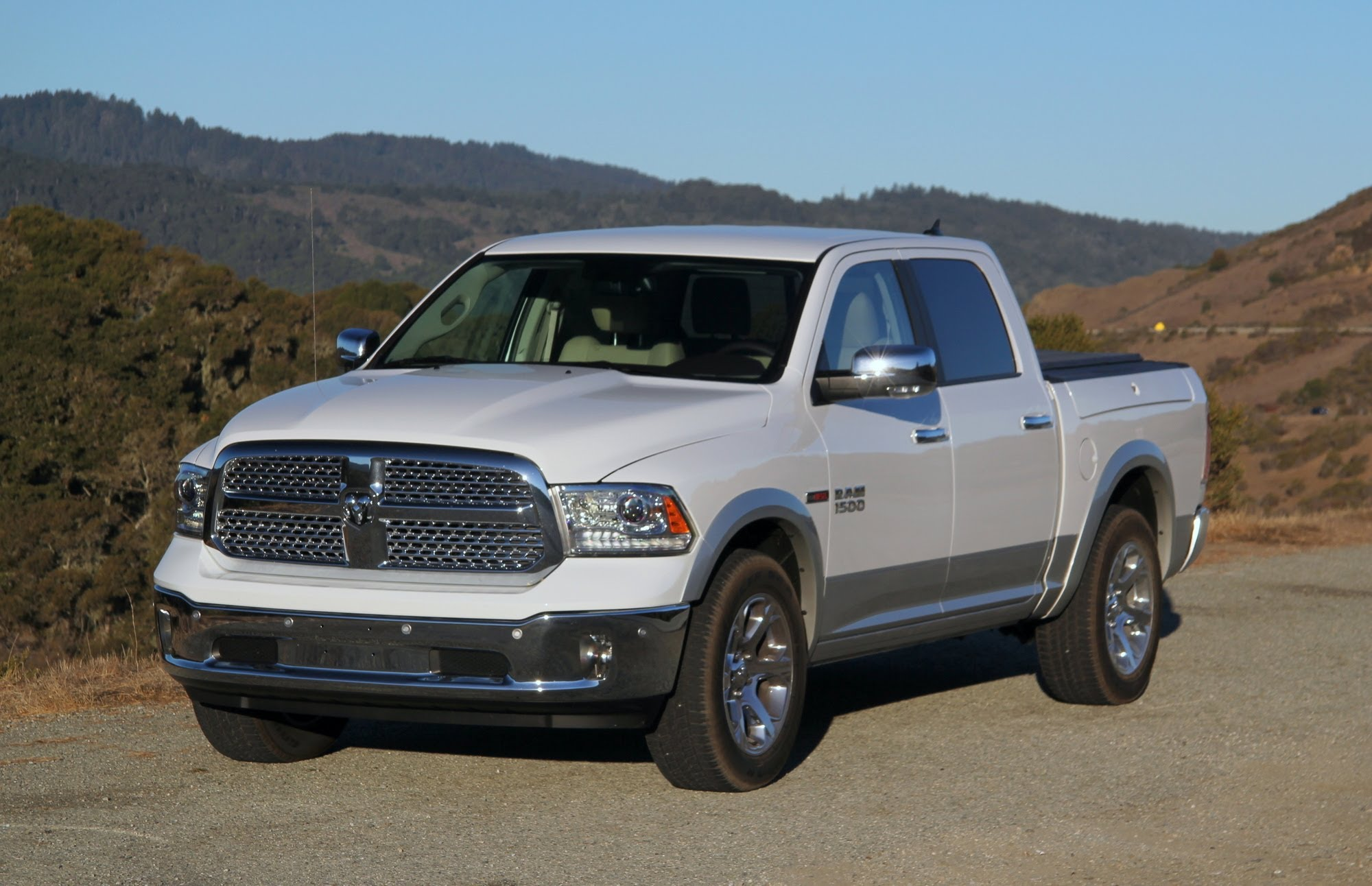 2015 RAM 1500 Ecodiesel front side