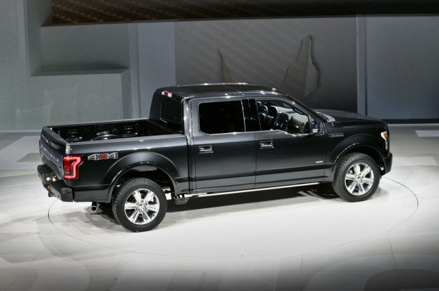 2016 Ford F-150 side