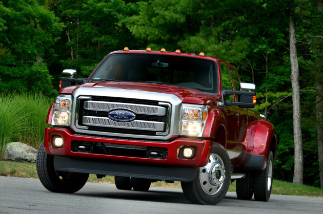 2016 Ford F-450 Platinum front side