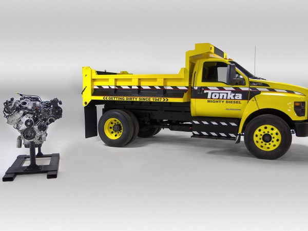 2016 Ford F-750 Tonka engines