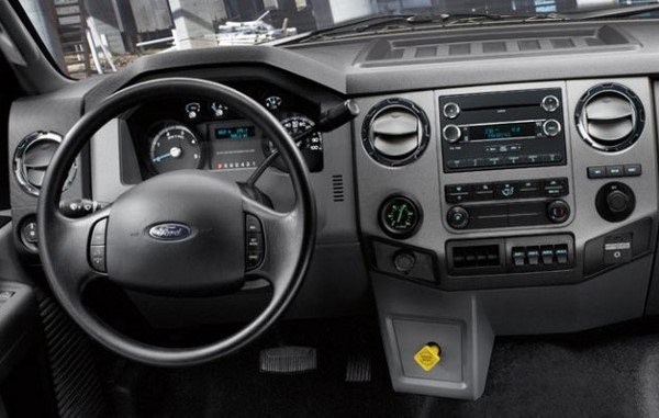 2016 Ford F-750 Tonka interior