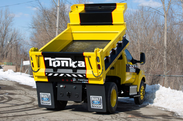 2016 Ford F-750 Tonka rear