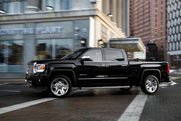 2016 GMC 1500 Sierra Denali side
