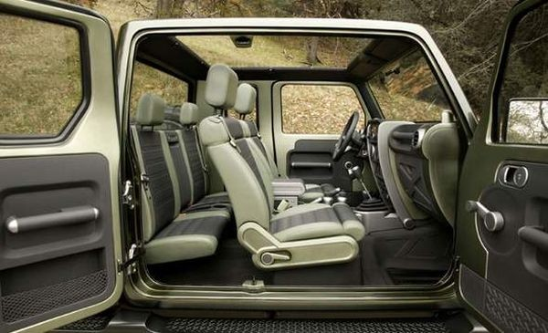 2016 Jeep Gladiator inside