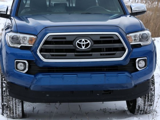 2016 Toyota Tacoma front grill